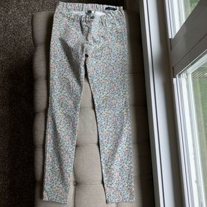 Floral Jeggings. Super cute for spring and summer!